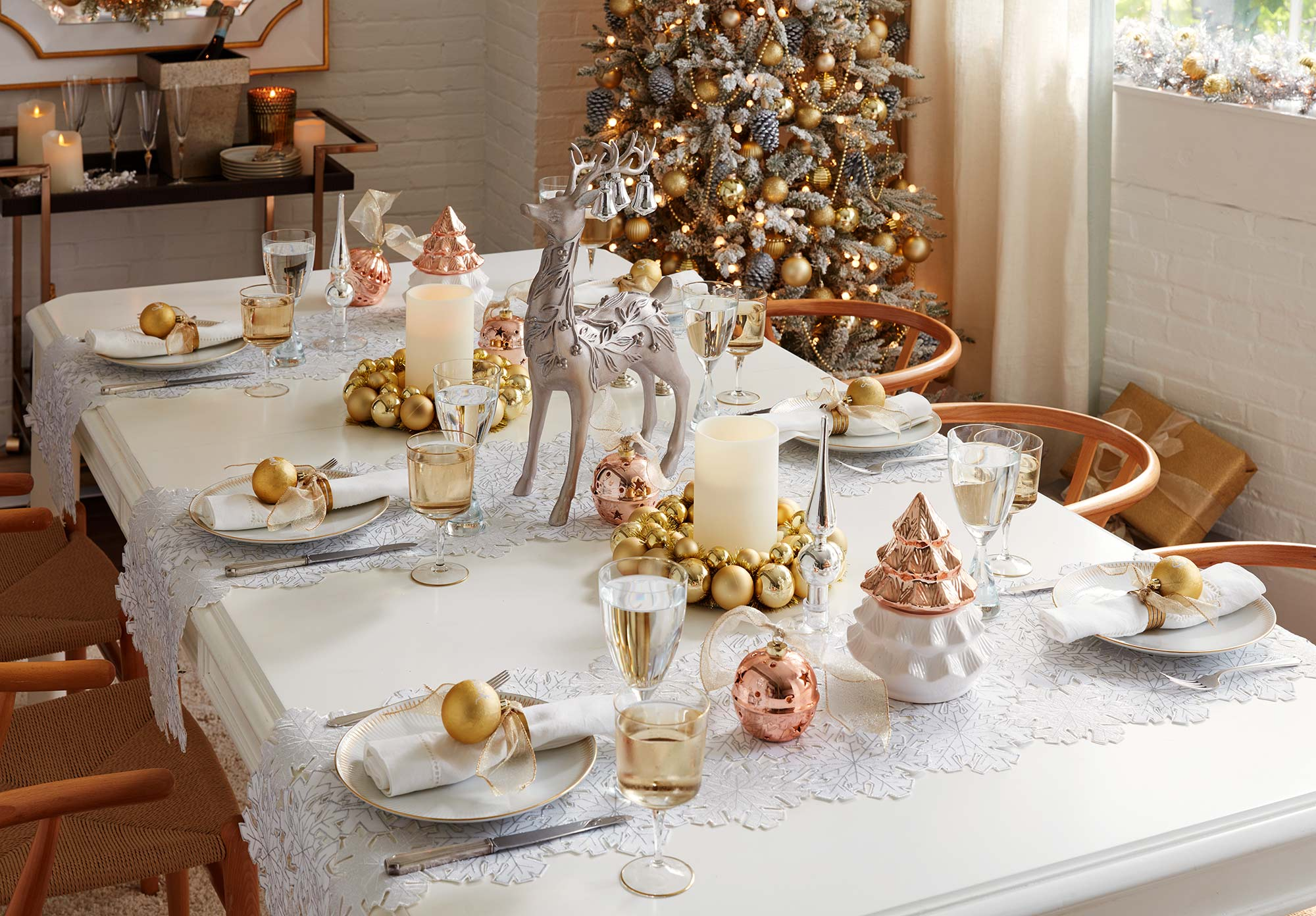 Holiday table catalog image for Lowe